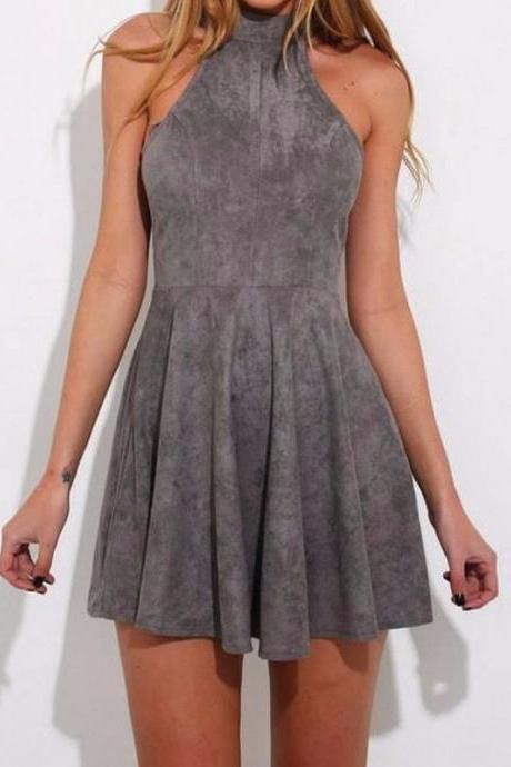 High Fashion A-Line Halter Criss Cross Short Homecoming Dress With Pleats