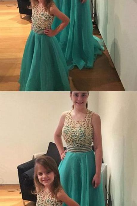 Stylish A-Line Round Neck Green Tulle Long Prom/Bridesmaid Dress with Beading B0851